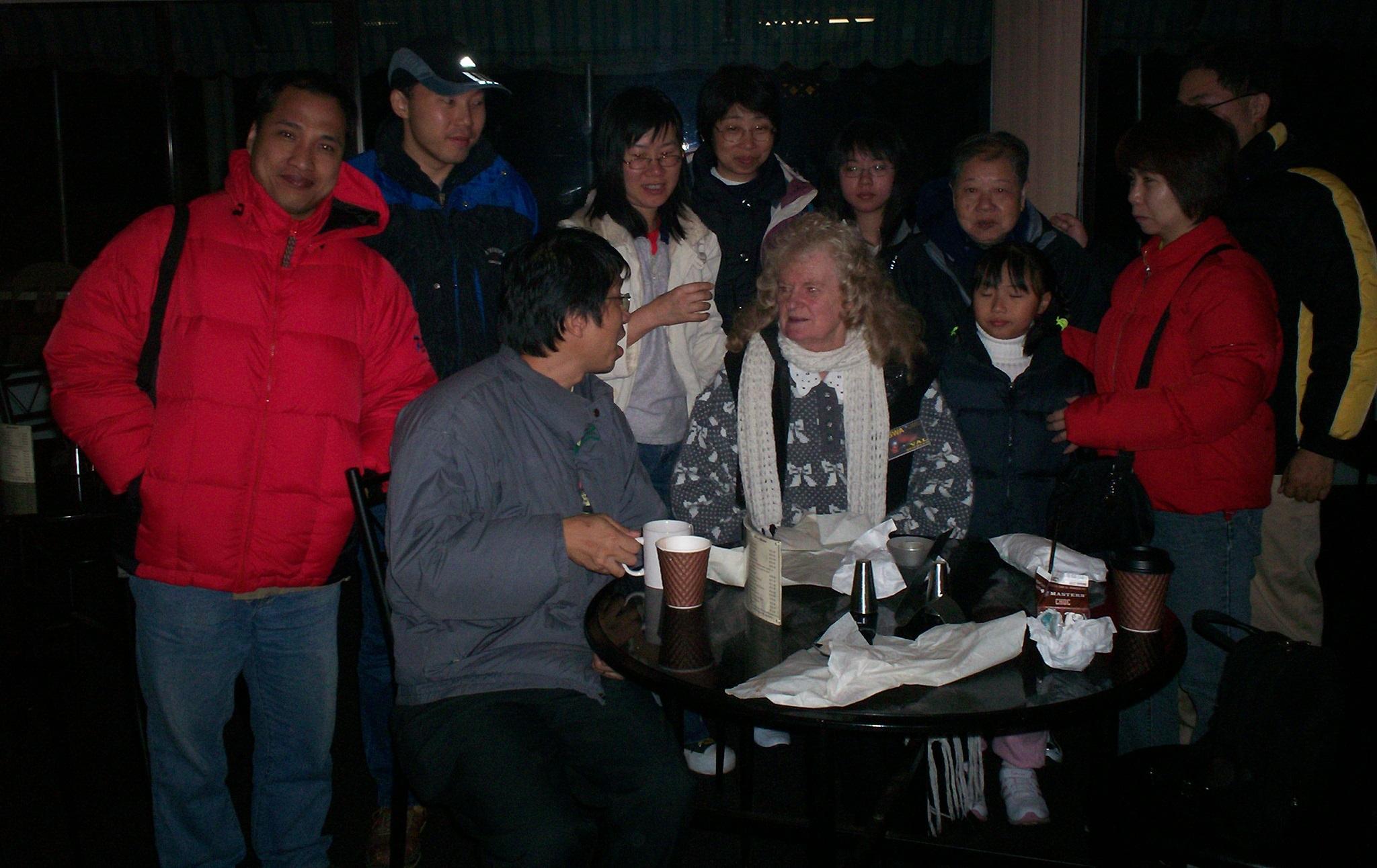 kerryn Murphy - HongKong visitros TSin Suitcase